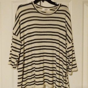 Striped Top- Carly Jean Los Angeles